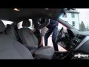 Баскетболист Роберт Боброцки ростом 231 сантиметр «упаковывается» в автомобиль