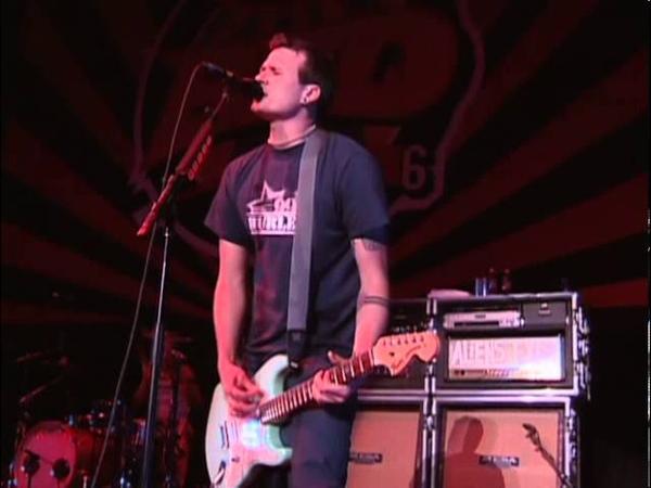 Blink-182 - Peggy Sue - 06/18/99 - Shoreline Amphitheatre (OFFICIAL)