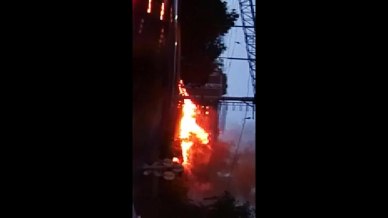 Пожар горит 2ух этажка