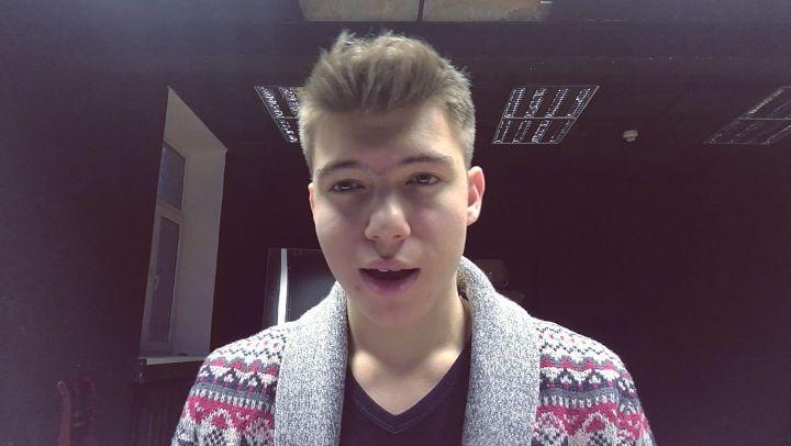 """Александр Лазин on Instagram: """"С наступающим новым годом, друзья!)🎄 Последний общажный кавер в уходящем 2017 году) 🎵Sam Smith - Have yourself a Mer..."""