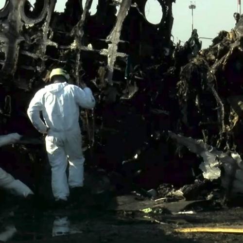 СК назвал версии пожара самолёта в Шереметьево — неисправность, молния, а также ошибки пилотов и диспетчеров