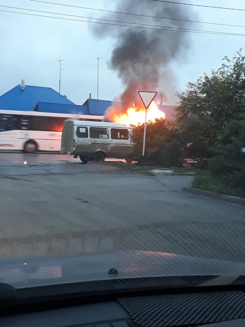M br6mYp HM - 21:02 по местному времени поступило сообщение о пожаре в частном
