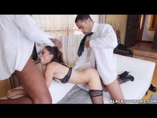 ALISHA: Pov lesbo tasting pussy