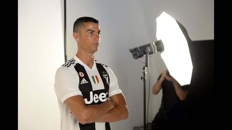 The sights and sounds of Cristiano Ronaldo day at Juventus