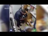 18+ На видео подозреваемый в убийстве и разбойных нападениях