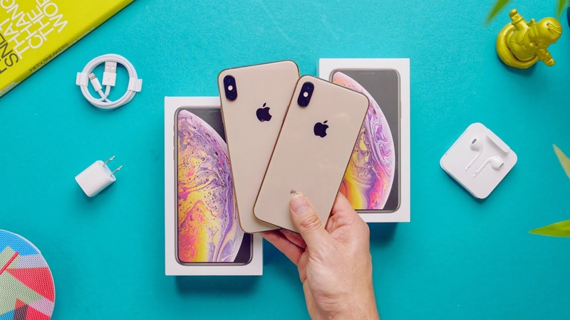 Apple iPhone XS Max vs XS Unboxing! (Gold)