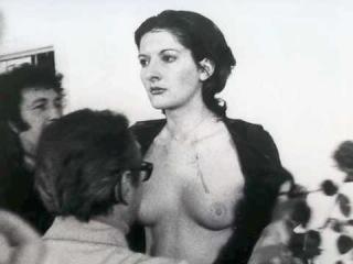 Марина Абрамович - Ритм 0, 1974