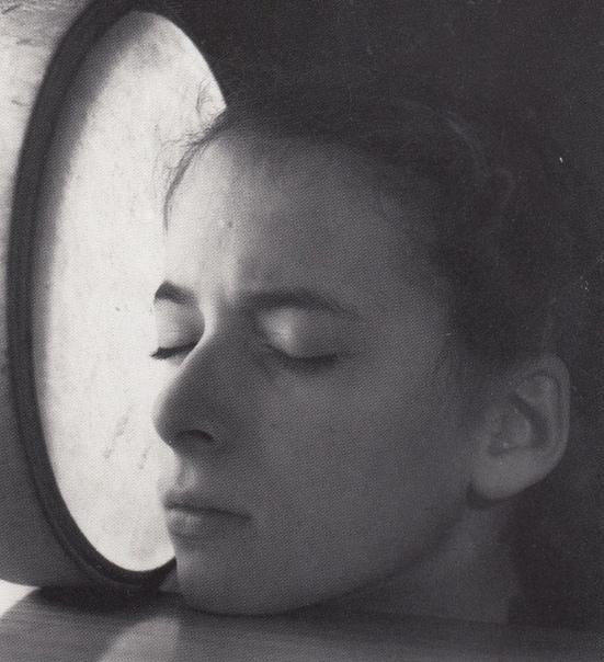 Вернер Бишоф — швейцарский фотограф и фотожурналист, член агентства Magnum с 1949 года до самой своей гибели в 1954-м. Даже став признанной звездой фотоискусства, Бишоф так и не расстался со