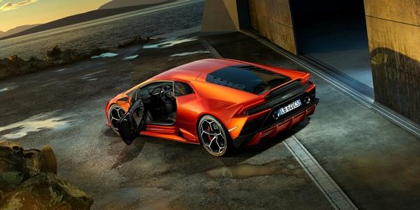 Новый автомобиль за 16 миллионов рублей: фото. В Москве состоялась европейская премьера нового Lamborghini Huracan EVO суперкара последнего поколения.Суперкар Huracan EVO оснащен 5,2-литровым