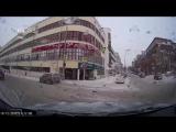 11.12.17 ДТП в Екатеринбурге на перекрестке  Ленина - Тургенева.