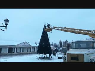 Сейчас в Нерехте наряжают Новогоднюю