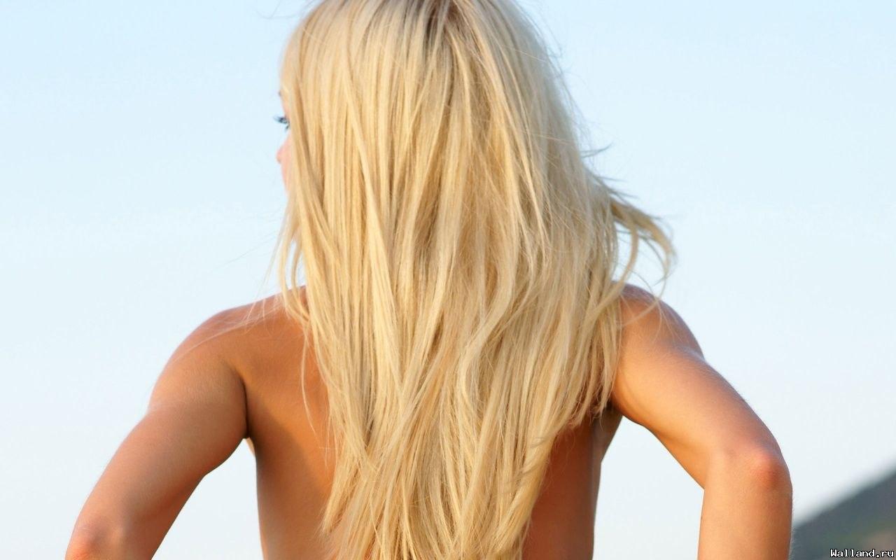 Картинка сзади девушки блондинки — pic 9