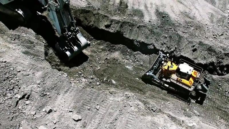 Liebherr The new PR 776 Litronic Crawler Tractor