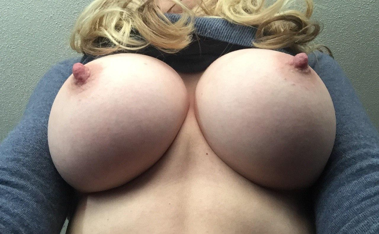 Large breasts d like to fuck sadomasochism