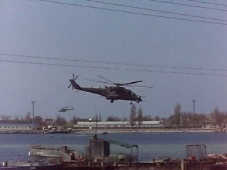 Вертолеты Ми-35M и Ми-8 в Черноморском. Крым