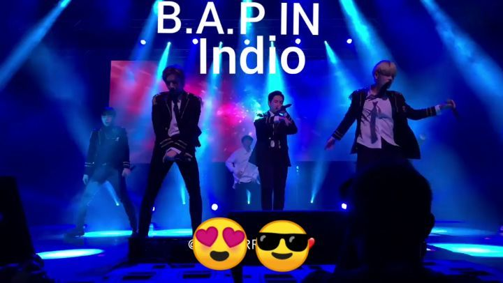 10.11.18 Hands Up - B.A.P - FOREVER TOUR INDIO 👌🏼👏🏽👍🏻💓고마워~~~ □ @bangstergram ☆ □ @chanchanieeeeee ☆ □ @dh_jung_bap ☆ □ @y...