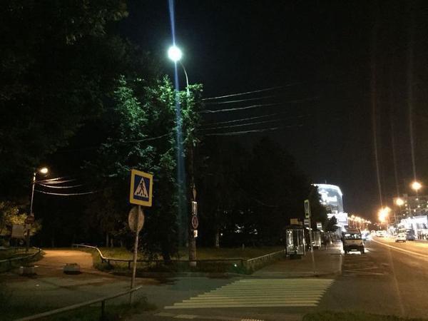 Освещение восстановили в районе пешеходного перехода на Фестивальной