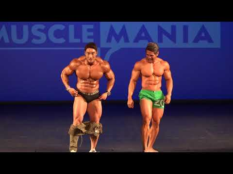 Musclemania Asia 2017 - Hwang Chul Soon Terrence Teo Pose Down!*