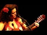 Brazilian singer Ceumar - Feliz e triste (live in RASA)