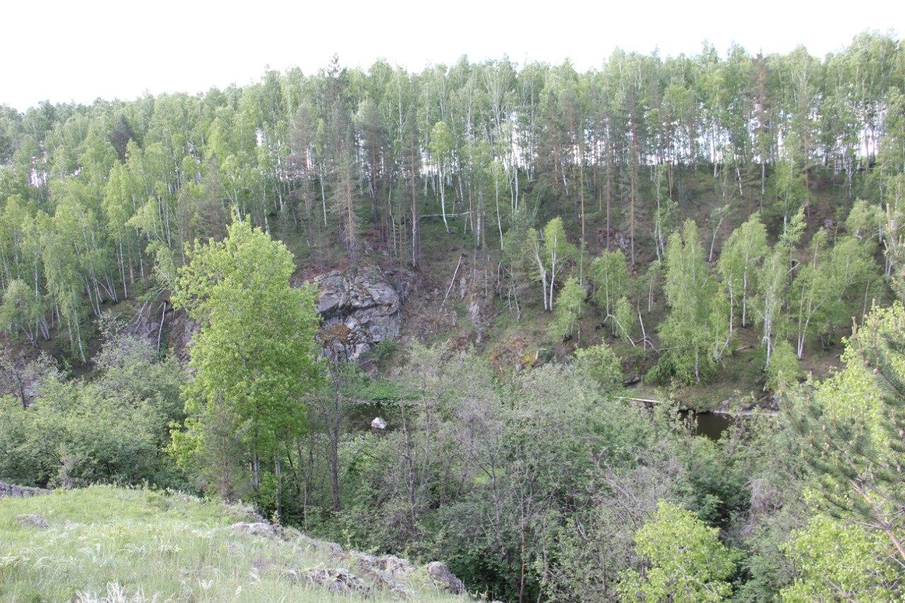 Гранитные скалы на берегу (04.07.2014)