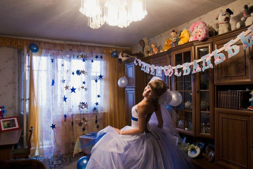 Как украшать комнату на свадьбу своими руками