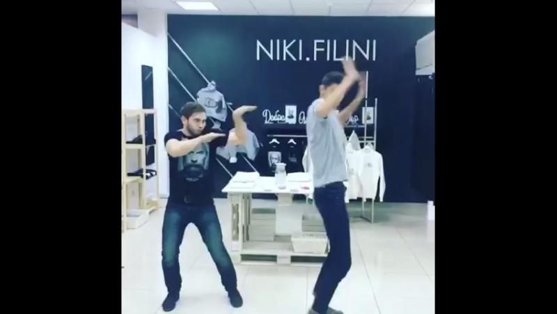 Зажигательные танцы Ярких ребят из NIKI.FILINI