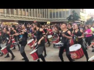 Долбят сурраунд - - Aainjala - 150 барабанов. На улице - Очень хорошо долбят. Задорно!