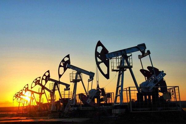 Бесконечно можно смотреть на три вещи: как работают нефтяные насосы, к