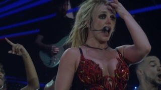 Britney Spears - Crazy (Live in Paris, Piece Of Me Tour - August 28) HD