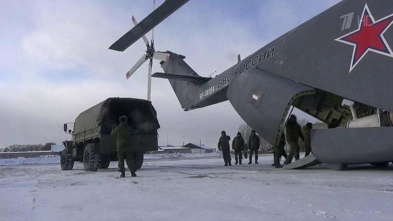 БПЛА «Орлан» иснегоходы «Буран» помогут военным инженерам вликвидации затора наБурейском водохранилище