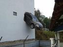 Что бывает когда перепутал педали газа и тормоза.