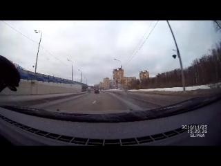 Почта России не взирая на ограничения скорости и без поворотников мчит письма населению.