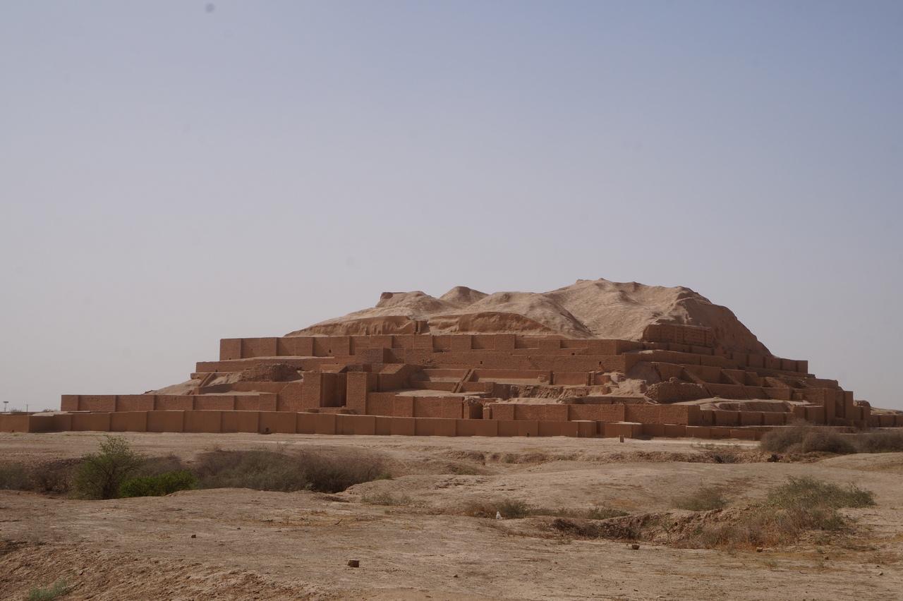 Зиккурат Дур-Унташ - месопотамская пирамида