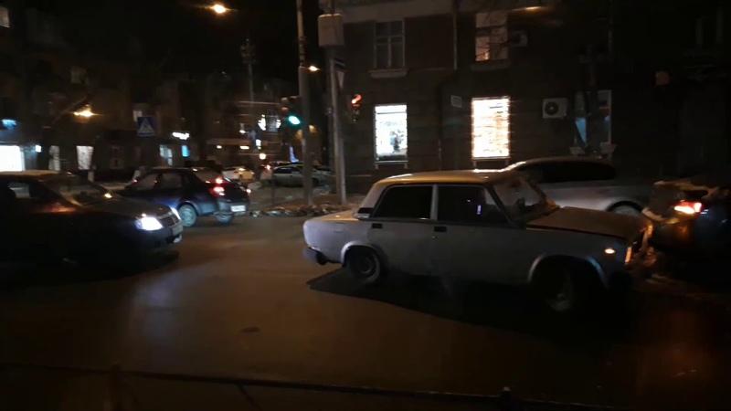 ДТП в центре Саратова: ВАЗ столкнулся с Hyundai