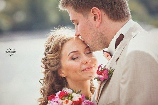 Когда мужчине нужна женщина - его не интересует её прошлое и даже настоящее... Он просто заботится о её будущем!