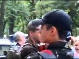 Отряд слобожанщина с автоматами днем г.Харьков 20.06.2014 парк Шевченко 7:30