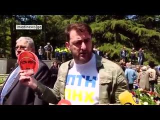 Гражданин Грузии объясняет российским дипломатам, почему они не приветствуются и никогда не будут приветствоваться в Грузии.