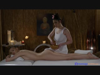 Elina De Lion and Marry Morrgan - Massage Rооms [Oiled, Lesbian]