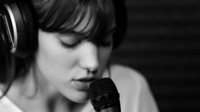 Charlotte Cardin - Like It Doesnt Hurt | Black Box Sessions