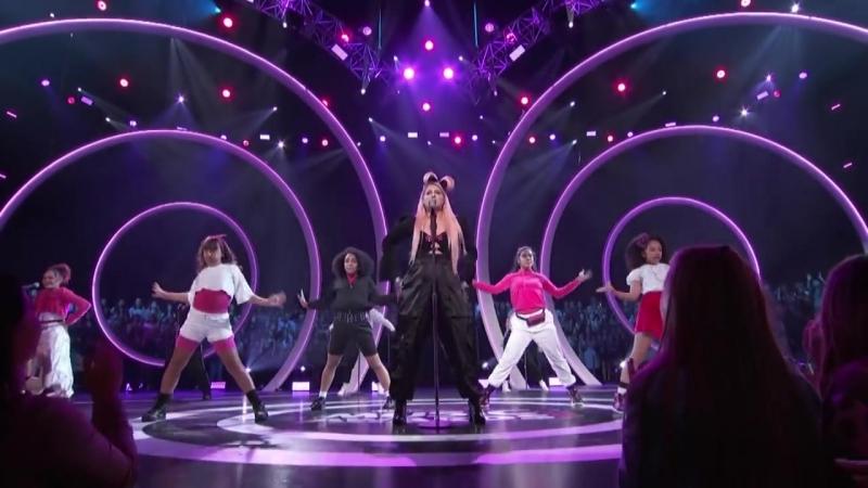При загрузке видеозаписи произошла ошибка.Meghan Trainor Medley of Her Hits 25 08 2018 Radio Disney Music Awards! Лос-Анджелес