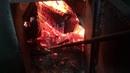 Как горят сырые дрова?
