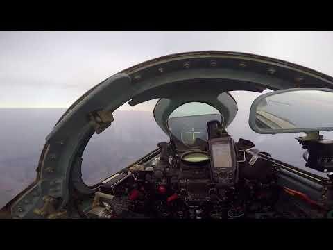 传奇战机强-5退役一周年 罕见飞行镜头曝光 | 小央视频