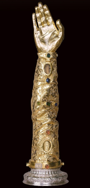 Рука Иоанна Златоуста богослова, архиепископа Константинополя. Музей Сан-РокеЛиссабонПортугалия