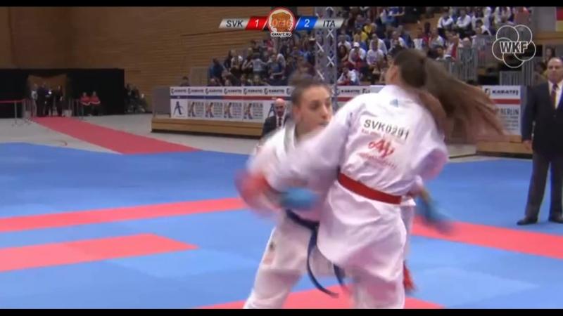 Бронзовый финал женского кумитэ до 68 кг: Мирослава Копунова (Словакия) - Сильвия Семераро (Италия)