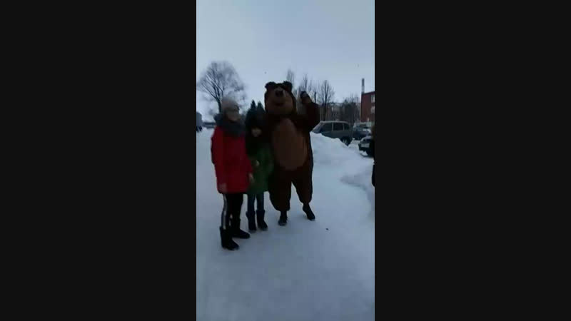 мишка и Стич ходят по улицам и разжают купоны на сладкую вату,аквагрим!скорее!маршрутЛенина-Гагарин