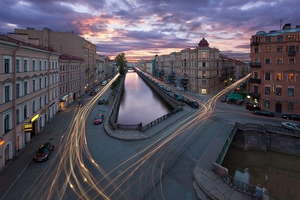 Канал Грибоедова, Санкт-Петербург. Автор фото — Alex Darkside: nat-geo.ru/photo/user/187611/ Добрых снов.