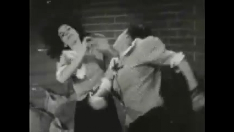 Old_mexican_movie_catfight_scene