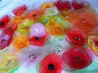 Робимо квіти з органзи можна
