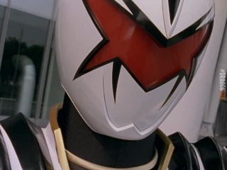 [dragonfox] Bakuryuu Sentai Abaranger - 18 (RUSUB)