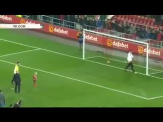 Больной раком 5 летний фанат( Сандерленда) забил пенальти в ворота «Челси»